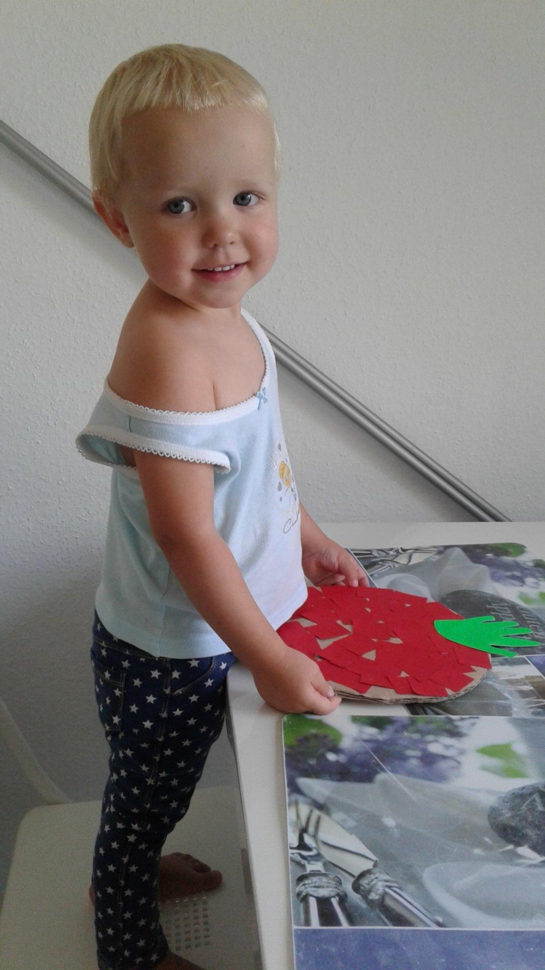 Отчёт по занятию Сделайте вместе с ребенком яблоко из одноразовой тарелки в Wachanga!