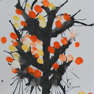 Paint an autumn tree with your kid