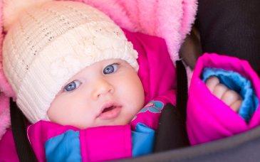 Как переодеть малыша