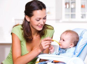 Когда ребенок готов к прикорму