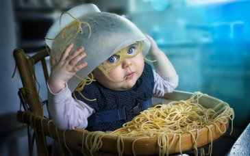 Offer your baby to play with pasta