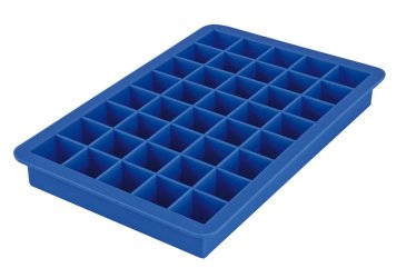 Offer your kid to play with an ice tray