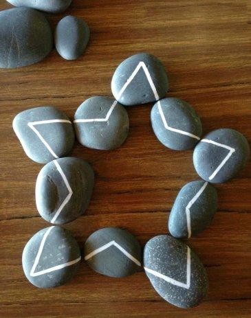 Паззл из камней
