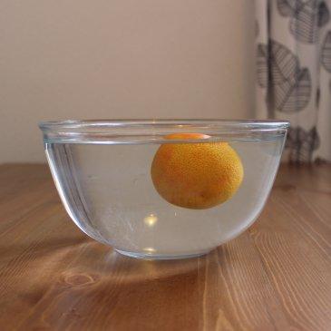 Опыт с мандарином