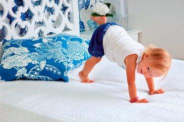 Массаж ребенку от года: гимнастика №1