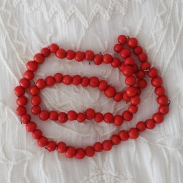 Make rowan necklaces with your kid