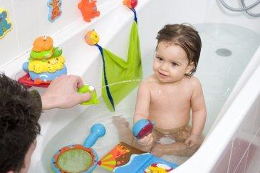 Поиграйте в ванне с поварешкой
