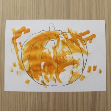 Нарисуйте вместе с ребенком тыкву для Хэллоуина