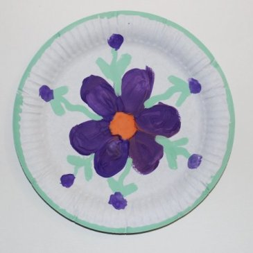 Decorate paper plates