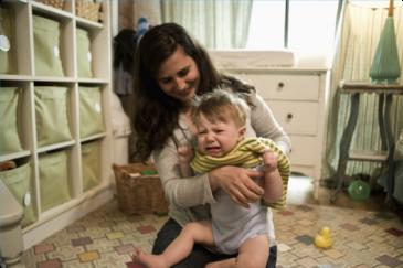 Игры с наклейками, или Как быстро переодеть малыша