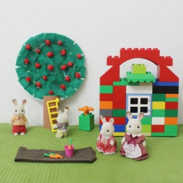 Make an apple tree out of a disposable plate with your kid