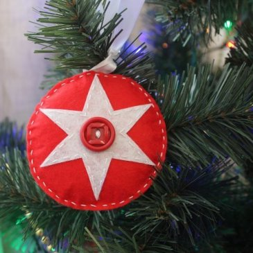 Sew Christmas ornaments with your kid