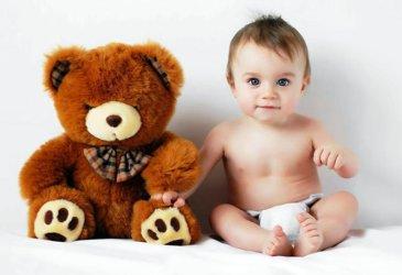 Предложите ребенку поиграть с сюжетными игрушками