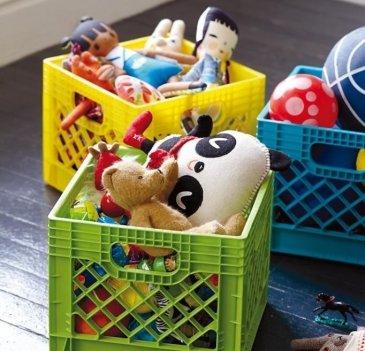 Игры с коробками и игрушками