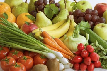 """Play the game """"Vegetables and fruits"""""""