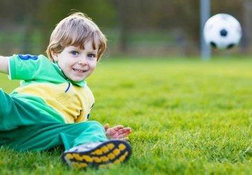 Упражнения для маленьких футболистов