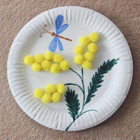 """готовая поделка """"мимоза"""", одноразовая картонная тарелка рисунок"""