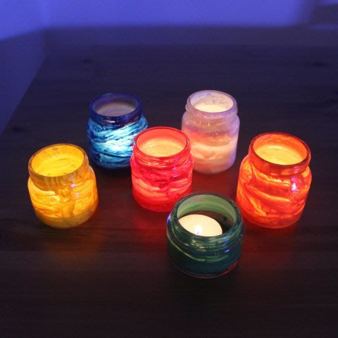 Make colorful lanterns with your child