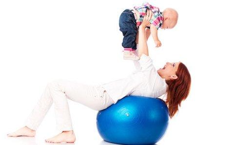 Упражнения на фитболе для шестимесячного малыша
