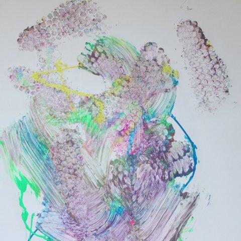ребенок нарисовал картину ногами детское творчество оригинальные способы
