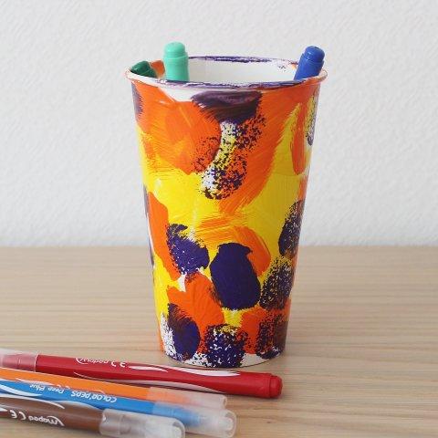 как сделать вместе с ребенком стаканчик для хранения мелочей и фломастеров своими руками