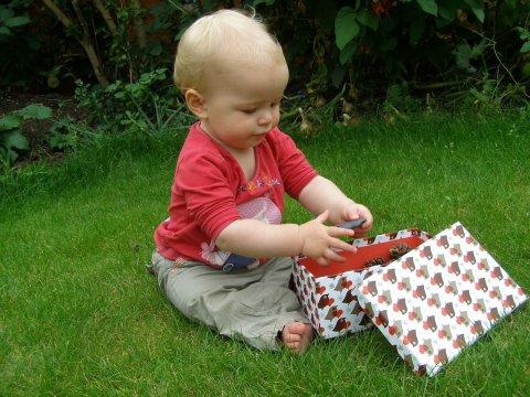 природная сенсорная коробочка для малыша