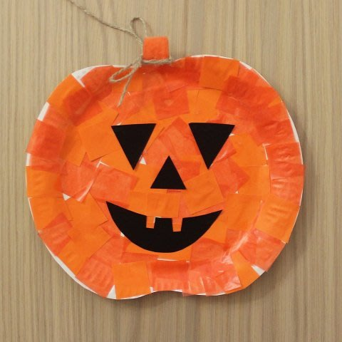 Make with your kid a pumpkin for Halloween