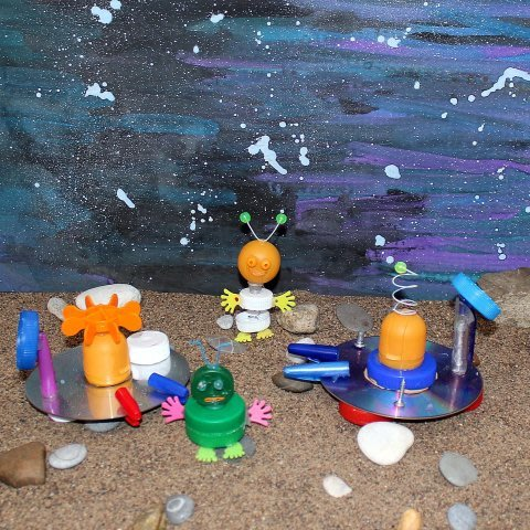 "Play a game ""A Distant Planet"" with your kid!"