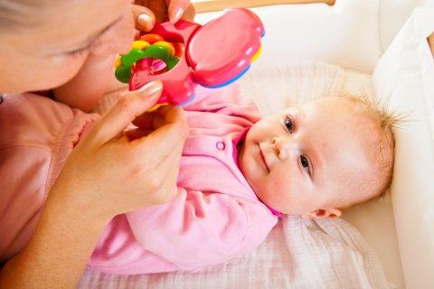 Слух малыша в 2 месяца