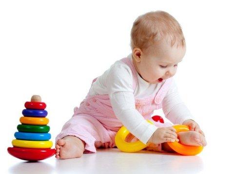 Чему можно научить ребенка в 7 месяцев