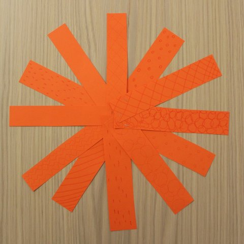 Картинка к занятию Сделайте вместе с ребенком тыкву из бумаги в Wachanga