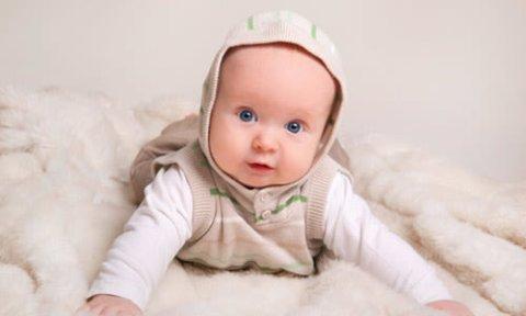 Как организовать жизнь ребенка в 4 месяца
