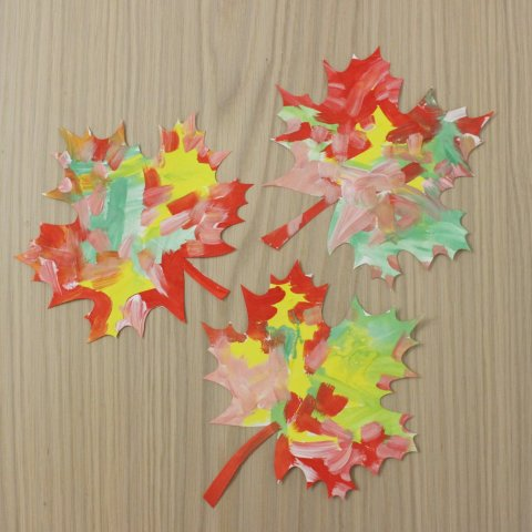 Decorate your kid's room with fallen leaves