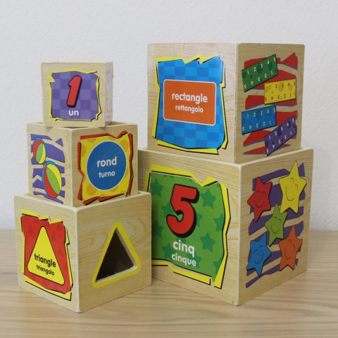 Play with cubes