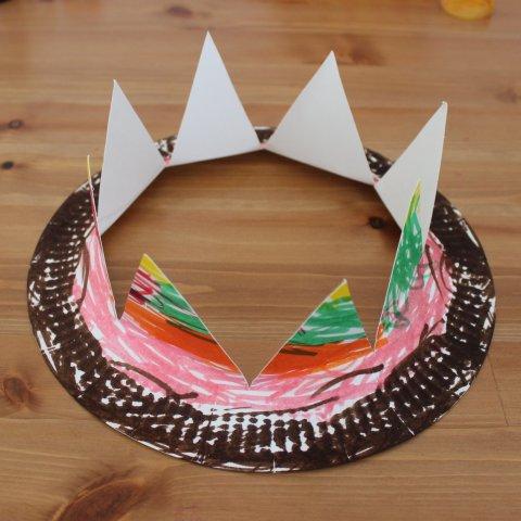 сделать корону из картонной тарелки легко идея для поделки