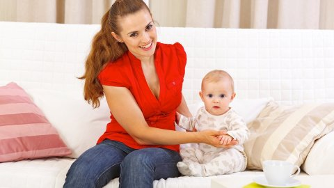 """Play the game """"Big you are!"""" with your baby"""