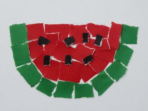 как сделать с ребенком аппликацию Арбуз из цветной бумаги