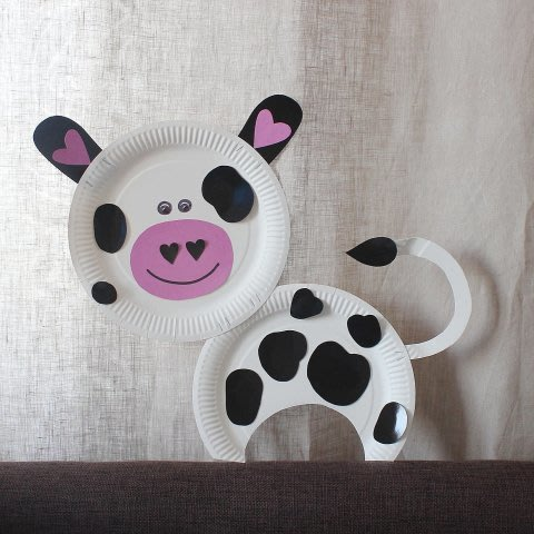Make a bull out of a disposable plate with your kid