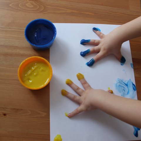 Make a picture with finger paints