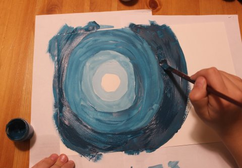 как нарисовать вместе с ребенком картину лунная ночь в лесу гуашью