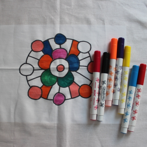 Activity picture for Draw with fabric markers in Wachanga