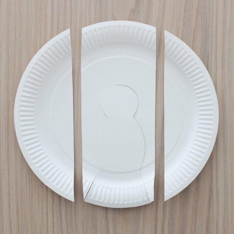 вырезать детали для голубя из тарелки поделка к 1 мая