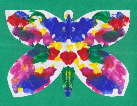 бабочка из бумаги раскрашенная гуашью