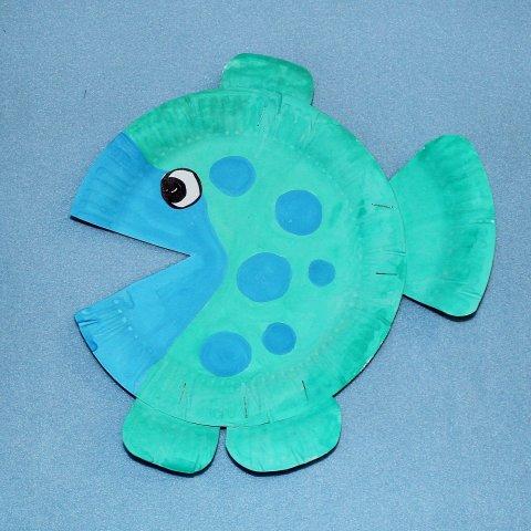 разные варианты исполнения поделки рыбка из бумаги