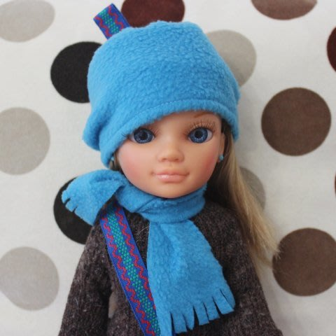 Сшейте вместе с ребенком шапочку и шарфик для куклы
