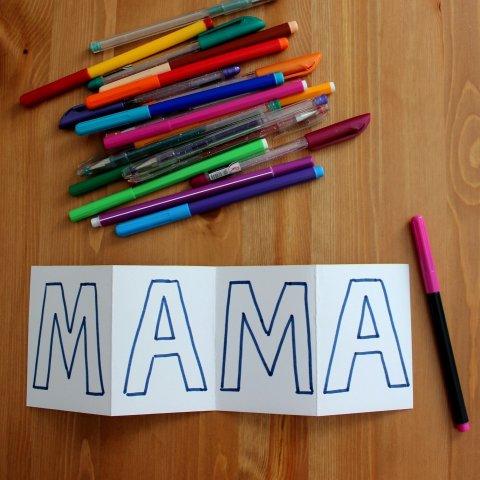 этап создания поздравительной открытки для мамы разметка букв