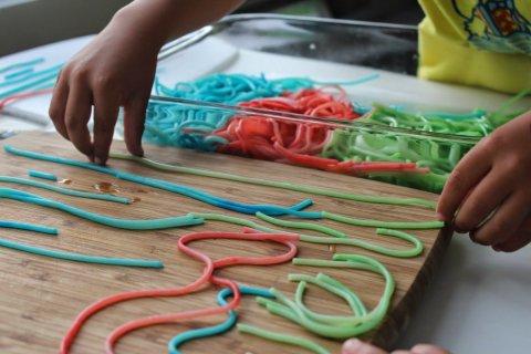 Картинка к занятию Разноцветные спагетти в Wachanga