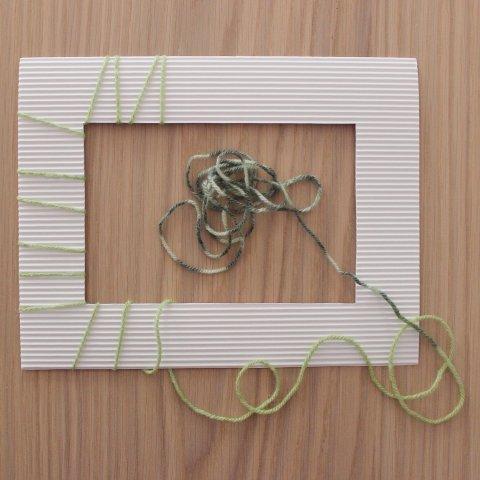 обмотать нитью картонную заготовку детское творчество