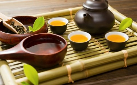 Arrange a tea ceremony at home!
