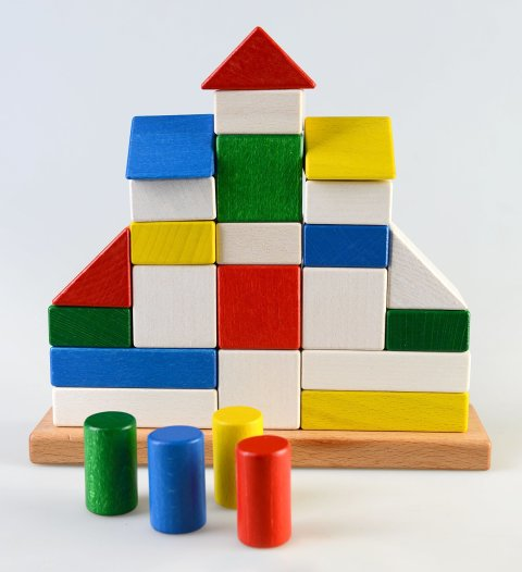 Play with wooden cubes